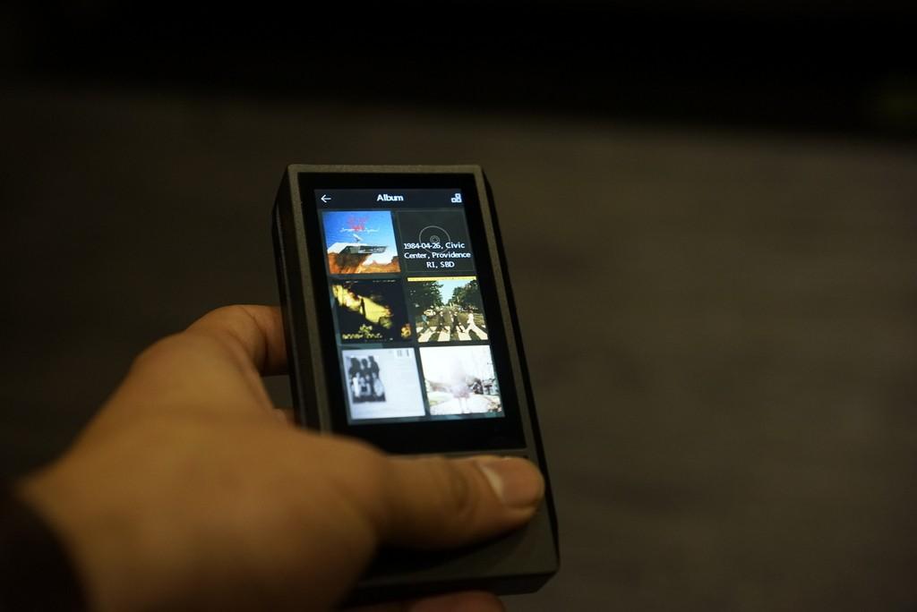 La navigation par pochettes est une première chez iBasso, et avec 256Go de musique c'est un vrai plus !