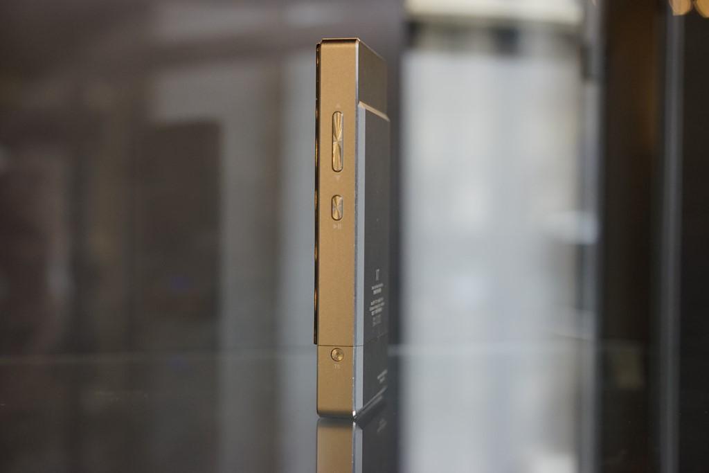 Totalement symétrique, le FiiO X7 s'utilise même en aveugle.