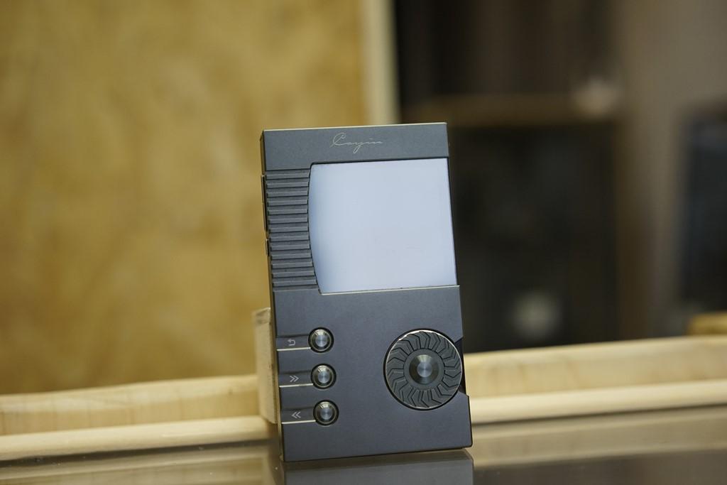 Le Cayin N5 est l'un des rares baladeurs à conserver une ergonomie 100% manuel.
