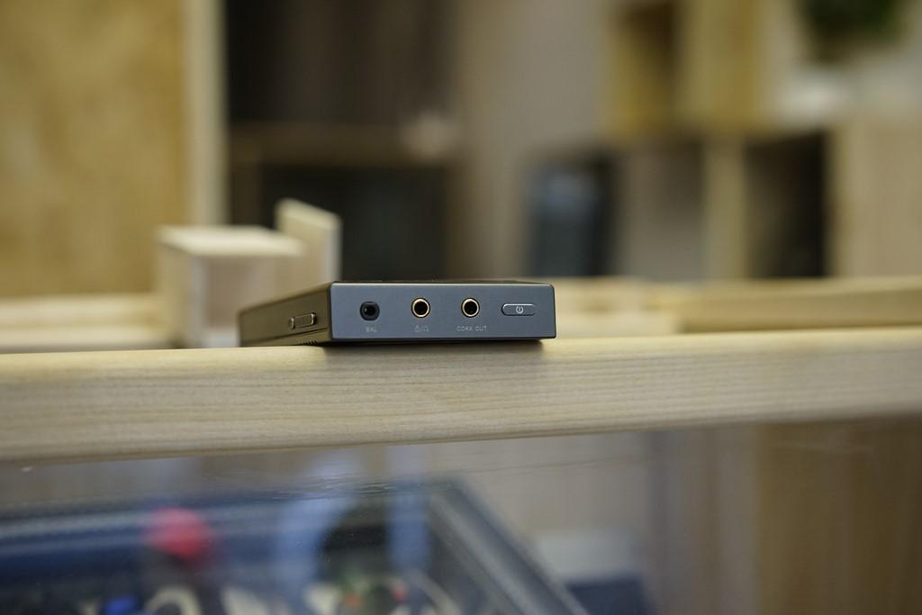 Le Cayin N5 dispose d'une sortie single-ended et une sortie symétrique 2.5mm TRRS.
